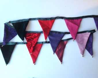 Mini Festive bunting with bells