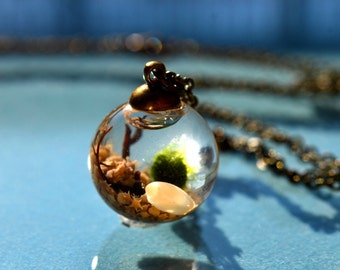 A Thousand Wishes Live Marimo Moss Ball Terrarium Necklace // Terrarium Jewelry // 101 % Natural Sand from Japan