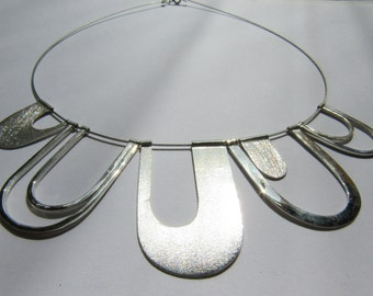 Roads in bloom - necklace