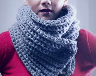 ribbed button scarf