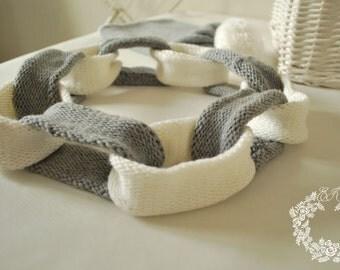 Chain scarf merino wool/White and grey