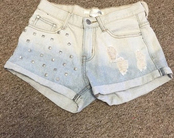 Distressed high waisted studded ombré shorts