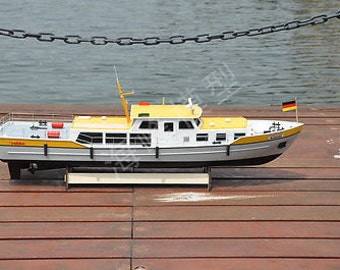 Rc Remote Control Stromaufsichtsboot Bussard boat / ship