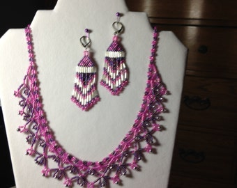 Classy looking Necklace and Earring set