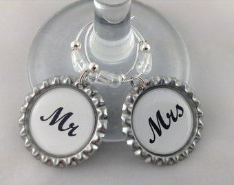 Wedding Mr & Mrs Wedding Bottle Cap Wine Charm Gift Set. 2 x 35mm Wine Charms complete with gift tin. Perfect Fun Gift, Handmade