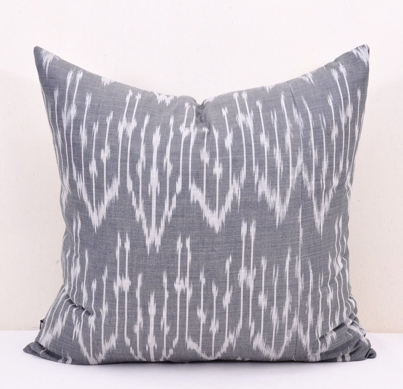 Throw Pillow White : Grey Pillow Covers Grey and White Throw Pillows Decorative