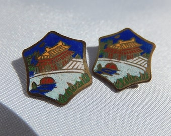 Pair of cloisonné button old china, Asian temple decoration
