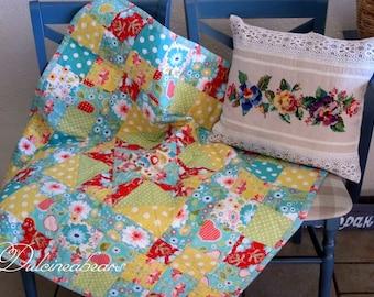 Baby quilt. Modern patchwork baby quilt. Nursery quilt. Baby blanket. Handmade quilt.