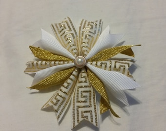 Gold and white hair bow, gold hair bow, gold spiked bow, gold pinwheel hair bow, gold pattern hair bow, church, metallic   item # S4J07PW