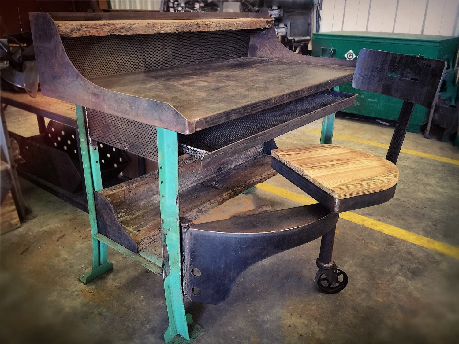 Swing out seat industrial table work desk for 108 table seats how many