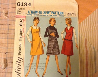 1950s Simplicity 6134 Teen/Junior Jumper Pattern - size 11/31.5 inch bust