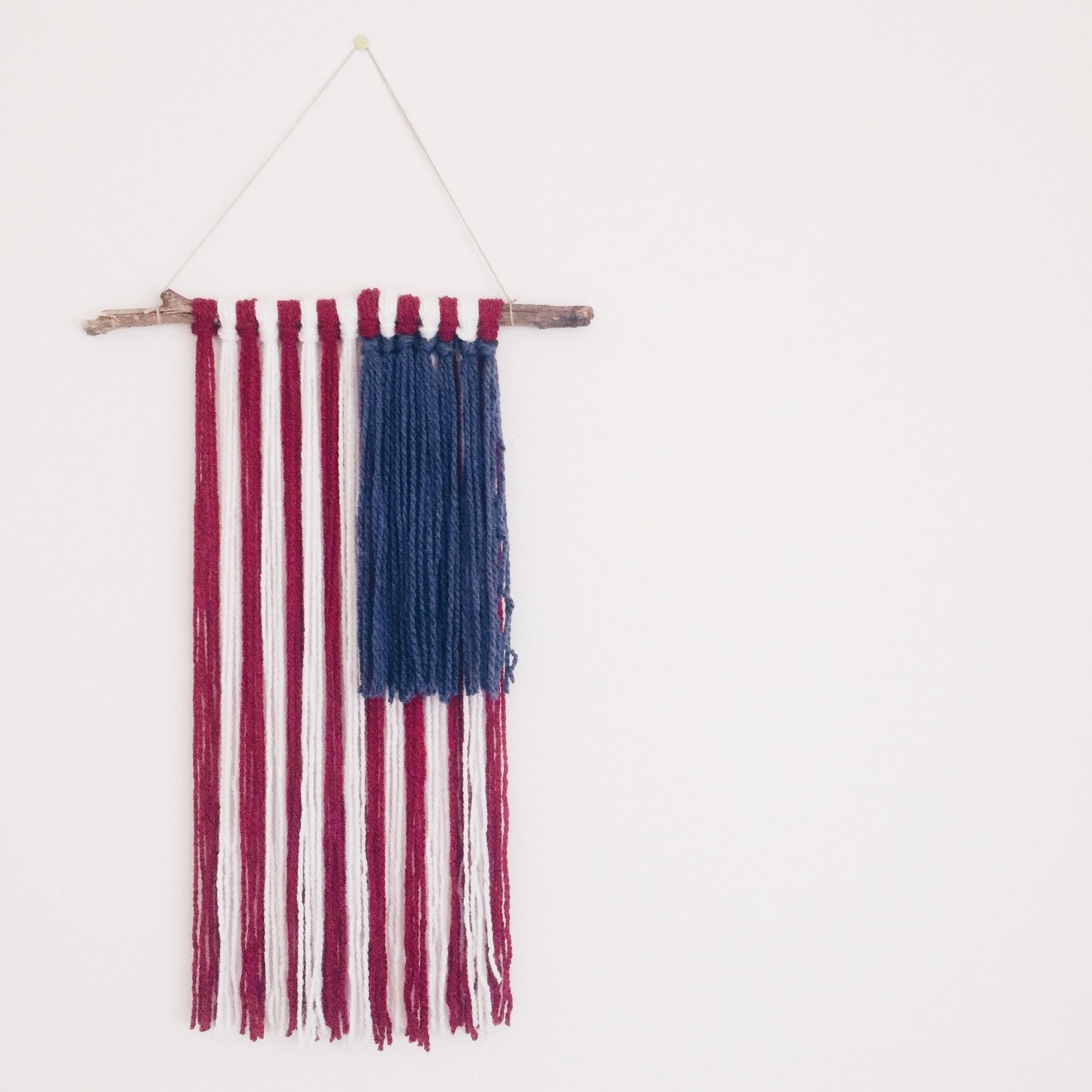 yarn wall hanging american flag. Black Bedroom Furniture Sets. Home Design Ideas