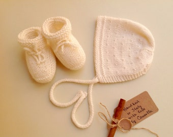 READY TO SHIP - 100% cashmere Baby set bonnet hat and booties hand knit 0-3 months newborn