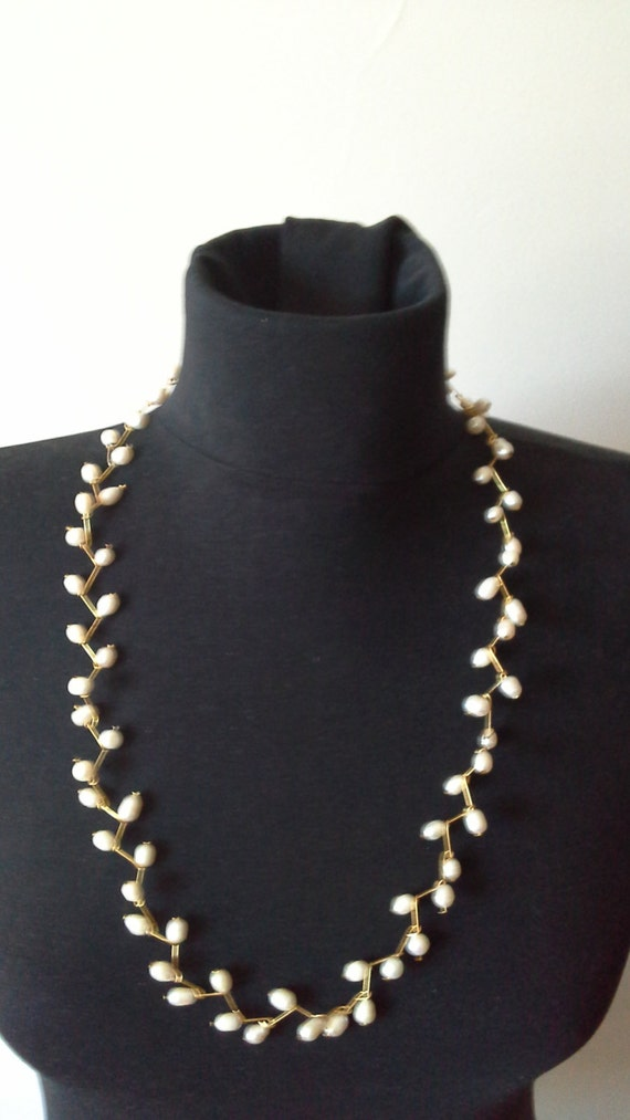 Pool Pearl Necklace