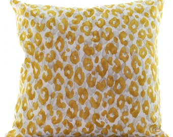 OUTDOOR/Indoor Pillow Cover, Unique Yellow and White.