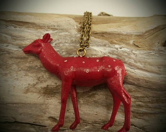 Deer chain necklace with red deer