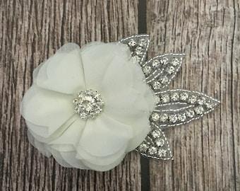 Ivory hair clip, wedding hair clip, floral hair clip, rhinestone hair clip, vintage hair clip, flower hair clip