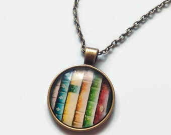 Bookish necklace (Books)