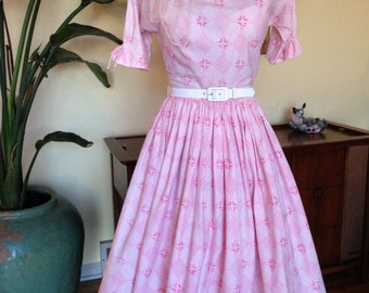 1950s Vintage Pastel Pink & White Cotton Day Dress Full Skirt 50s Size Small - Lanz Originals, Salzburg, Austria - Traditional Austrian