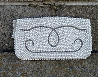 Vintage beaded pearl purse