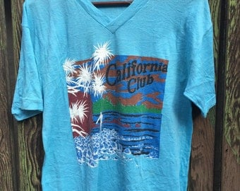 California Club V-Neck Tee