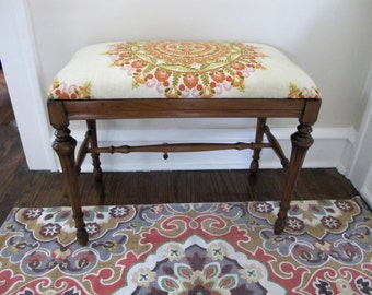 Medallion Upholstered Bench