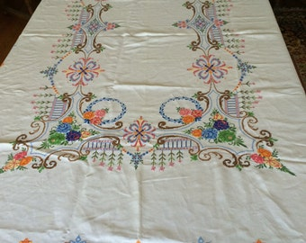 Ivory linen colorful  hand embroidery tablecloth matching 12 napkins