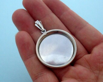 Round Pendant Setting Frame Mounting in Silver Tone 208S