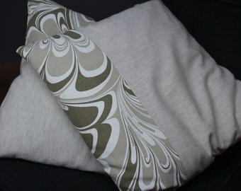 Duo cushions soft wool and canvas to psychedelic mattress