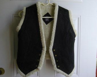 Black Suede Outdoor Fleece-lined Vest by AM, Size Medium