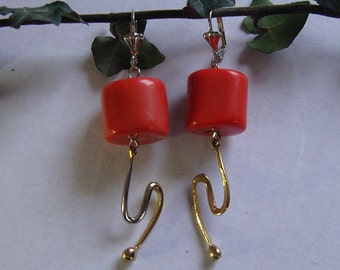 Hanging earrings with tree coral. 925 silver plated