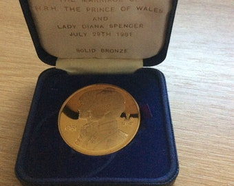 Prince Charles and Lady Diana Spencer Wedding Coin rare St Pauls Official Edition
