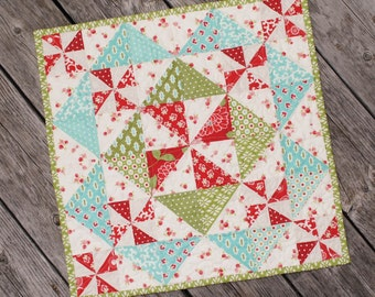 Little Scraps Candy Dish Pattern from This and That - Christmas Mini Quilt