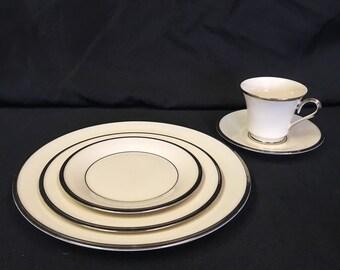 LENOX SOLITAIRE 5-piece Vintage China Set