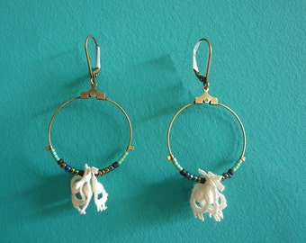 Earring lace and pearls