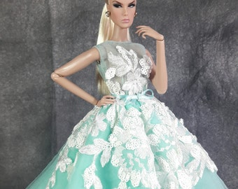 "MINT CANDY - Fashion for Fr2 and same size 12"" doll"