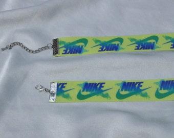The Nike Choker
