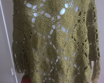 Bohemian green shawl with fringes