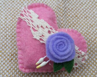 Handmade felted brooch with metal pin and hair clips