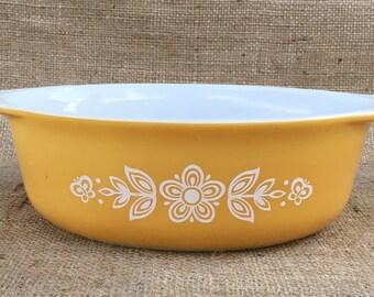 Pyrex 1.5 qt. Casserole Dish in Butterfly Gold