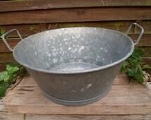 Old tub galvanized, jardiniere, decor, Garden decor, vintage, basin in zinc