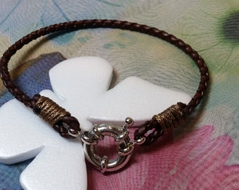 Brown woven leather bracelet clasp marine style