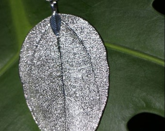 Necklace with genuine plate, silver plated, silver