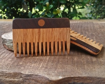 Beard Comb. Handmade, oak and walnut inlay