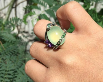 A Pretty Piece of Prehnite with Beautiful Green tsavorite and Amethyst Ring