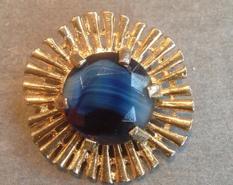 Beautiful unique vintage brooch