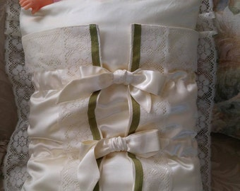 Unique swaddle for baby