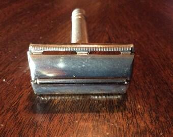 Vintage 1948-1949 Gillette Super Speed Twist-to-Open DE Safety Razor