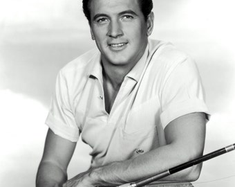 Actor Rock Hudson - 5X7, 8X10 or 11X14 Publicity Photo (AA-080)