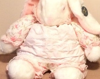 Crisha plush, Rabbit, Playful, vintage 1988